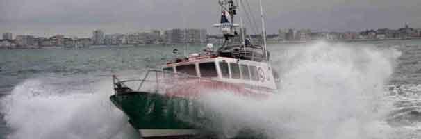Tre redningsfolk mister livet under storm