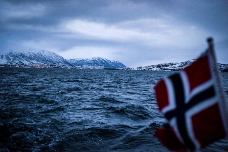Udsendte nødsignaler – Norsk passagerfærge tæt på stor ulykke