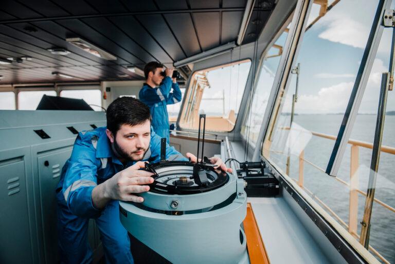 Ny overenskomst for skibsofficerer – Så meget stiger lønnen