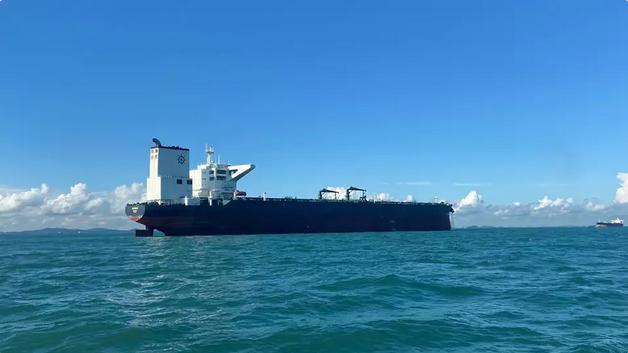 Her er det nye største tankskib under Dannebrog