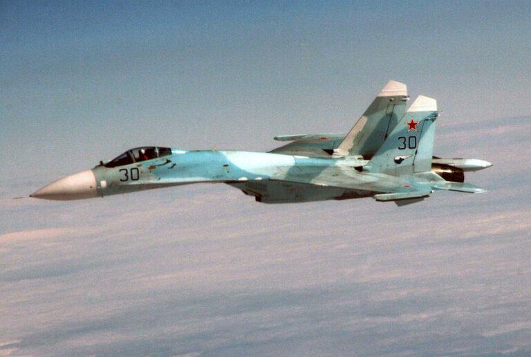 Russiske kampfly øver bombeangreb på skibe i Sortehavet