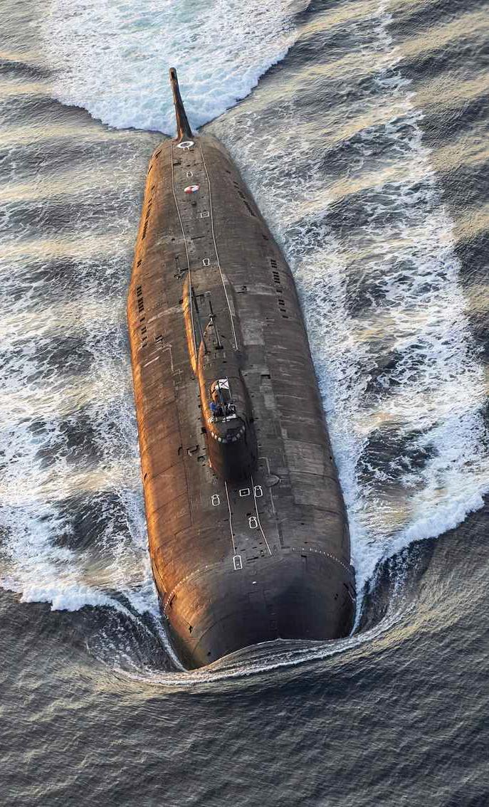 Flere russiske fartøjer passerer Danmark – Nu reagerer Forsvaret