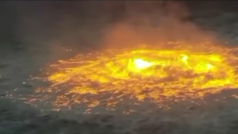 Vild video: Havet står i flammer efter gaslæk