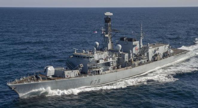 Sømand mister livet ombord på britisk flådeskib