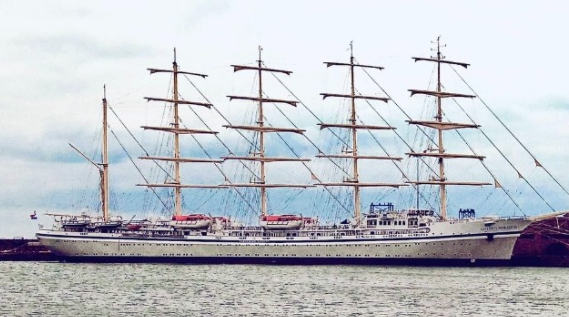 World's largest sailing ship arrested in UK