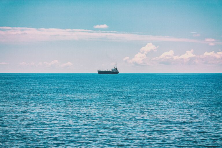 Russia Starts Arctic Underwater Cable Laying Project