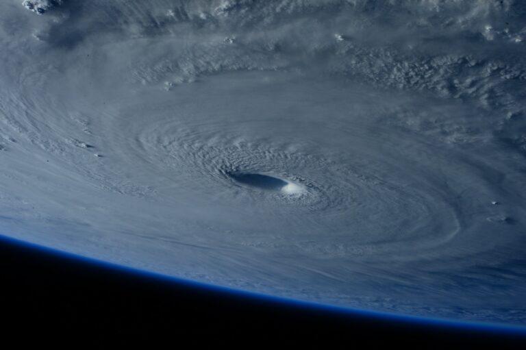 Hurricane Ida Blows Troubles Towards Major U.S. Oil Port