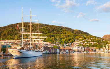 """First Ever """"University at Sea"""" Sets Sail"""