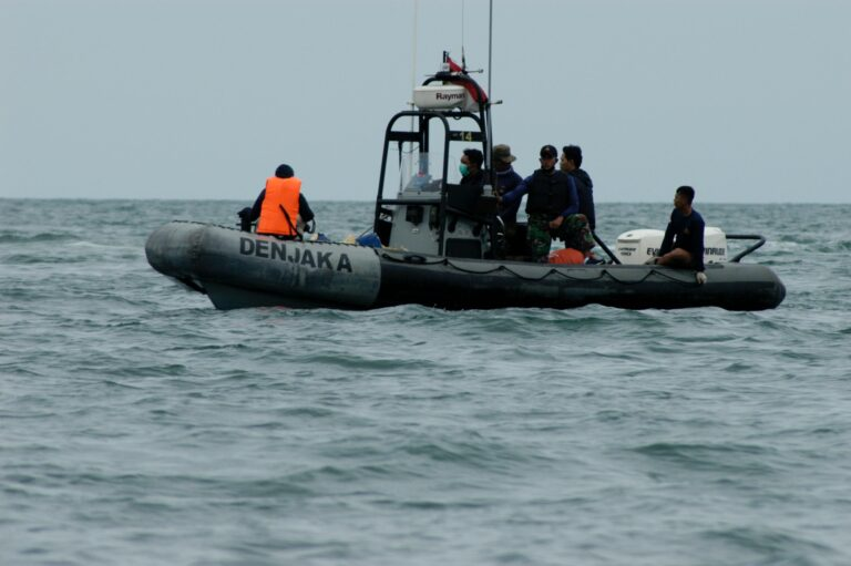 Chinese Vessel Attracts Indonesian Navy's Attention