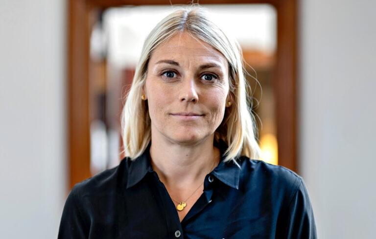 Massiv kritik af forsvarsministerens Ærø-besøg fortsætter