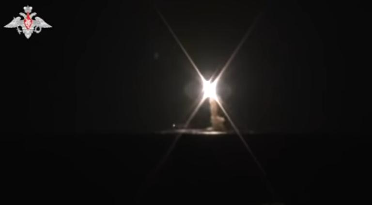 Se videoen: Rusland tester nyt skræmmende missil fra atomubåd